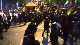 Беркут разогнал майдан  30 ноября(Жестокий разгон мирных митинговальников 30 ноября., 2014-02-14T14:23:47.000Z)