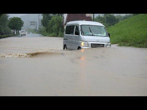 اليابان تأمر عشرات الآلاف بإخلاء منازلهم إثر فيضانات خلّفت 13 مفقوداً…  - نشر قبل 5 ساعة