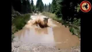 Moto Off-Road - Roia + Agua + Lama = KKKK
