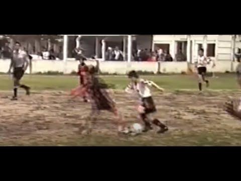 Así jugaba Messi de chico en las inferiores de Newell's