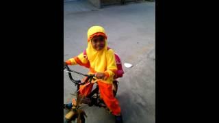 Berangkat sekolah Paud naik sepeda