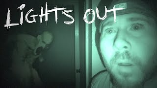 LIGHTS OUT CHALLENGE IN HAUNTED SERIAL KILLER'S HOUSE | OmarGoshTV