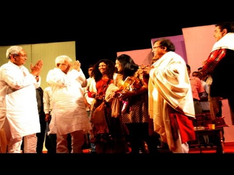शत्रुघ्न सिन्हा की एक्टिंग के कायल नितीश और लालू | Nitish-Lalu Watch Shatrughan Sinha Stage Play