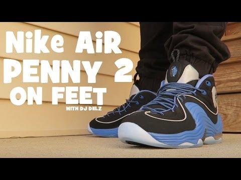 nike air  2, unico collettore della squadra blu nero e scarpe ai piedi