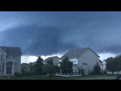 Tornado Funnel Cloud Lees Summit Mo 8/24/16