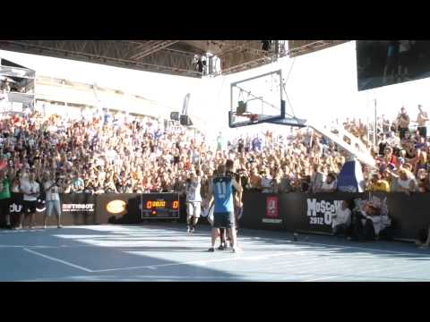 Crazy Shal dunks on Moscow Open 2012