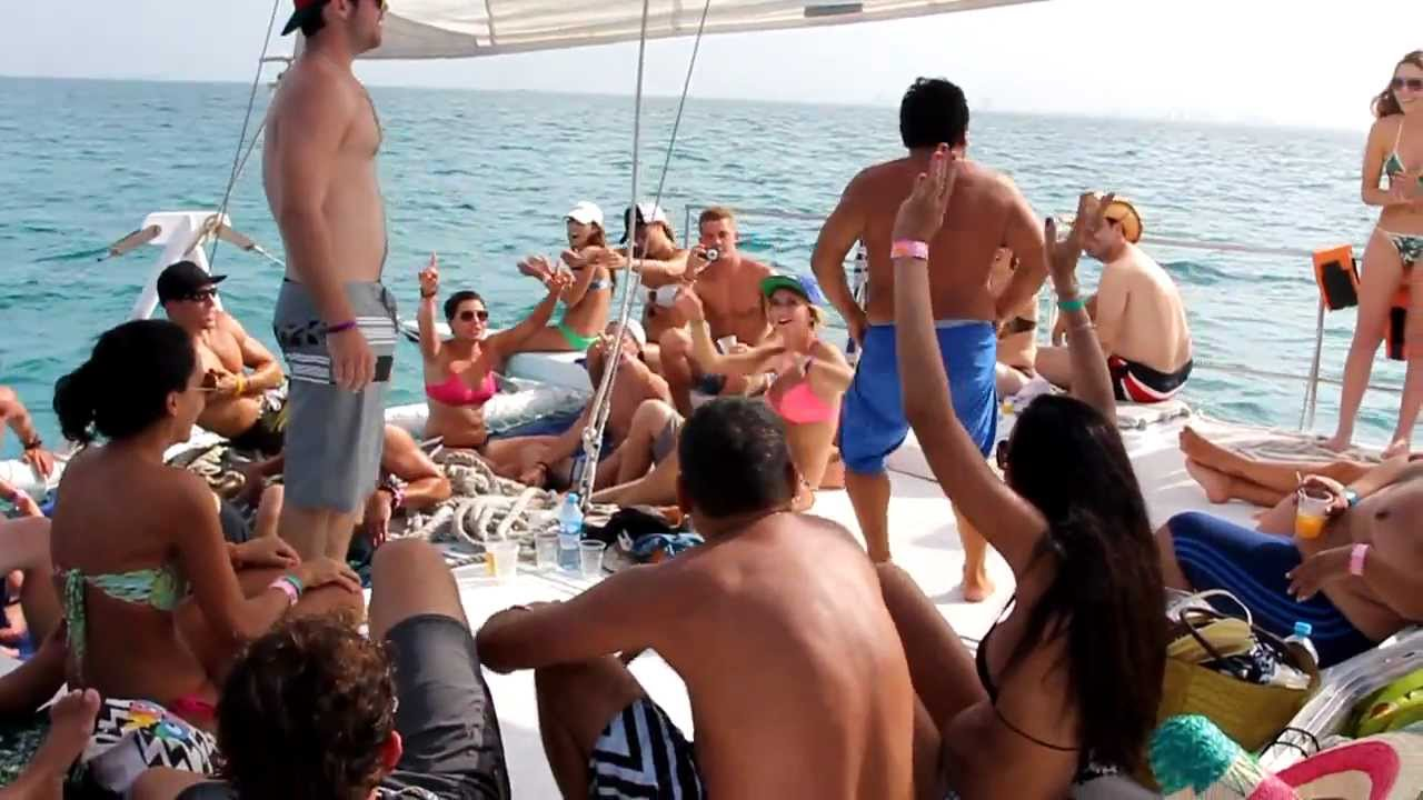 funny dancing on catamaran booze cruise excursion from cancun to isla mujeres youtube