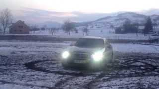 Mercedes e320 4matic snow drift