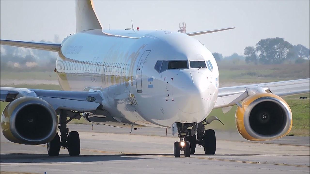 Spotting Aeropuerto Cordoba (14ABR21) - E190 AR, B738 Flybondi, C. Citation 501 LV-BFM