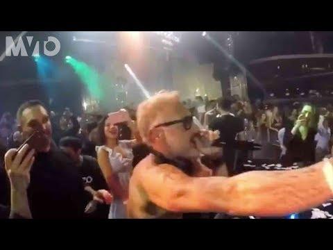 Gianluca Vacchi llama a Luis Fonsi en pleno show   The MVTO