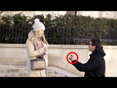 Proposing to Strangers at the Eiffel Tower!!