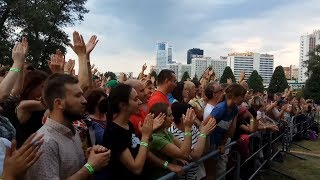 Ведущий радио Sputnik Беларусь Александр Кривошеев посетил фестиваль ''Хмельнов''