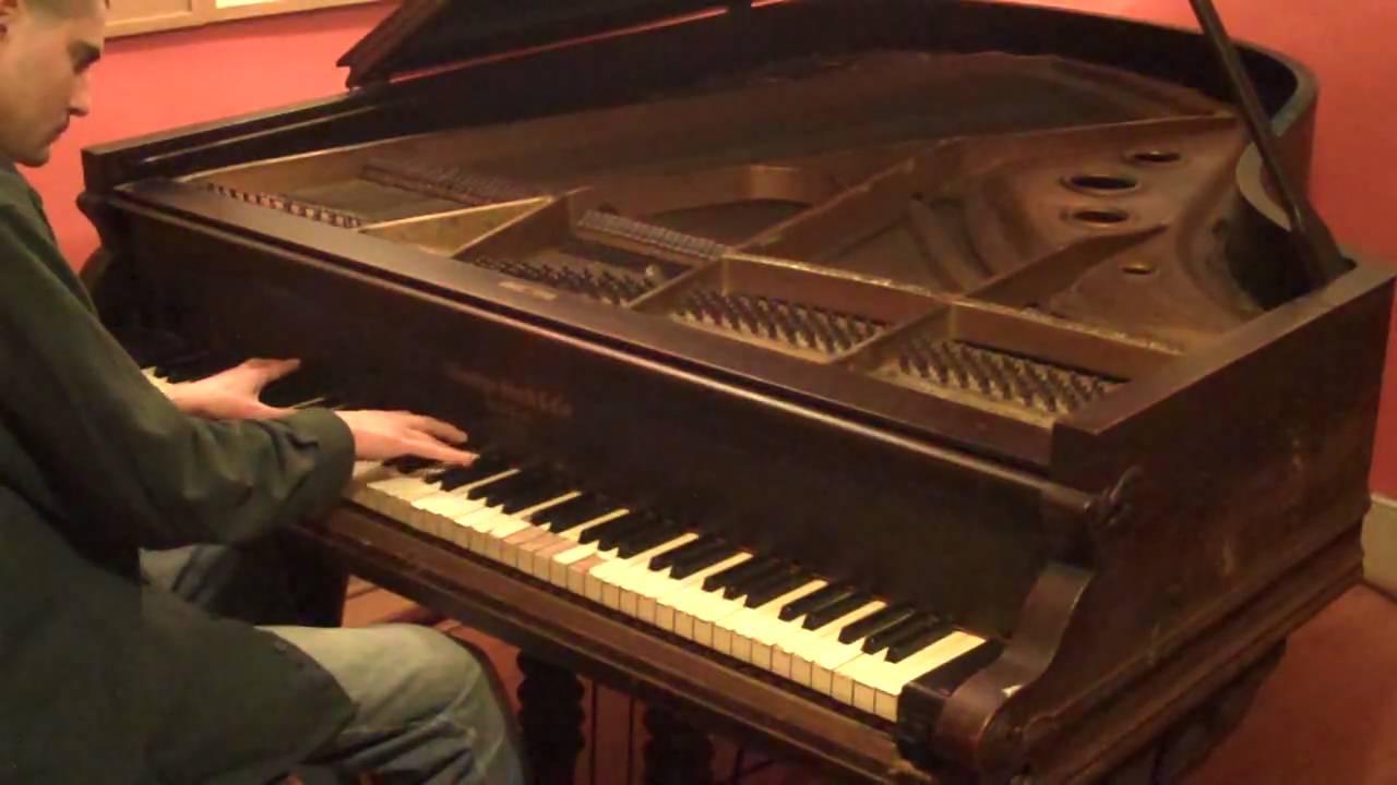 Beethoven Moonlight Sonata old piano Chords Chordify