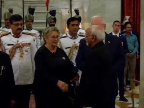 Indian President hosts banquet for his Israeli counterpart
