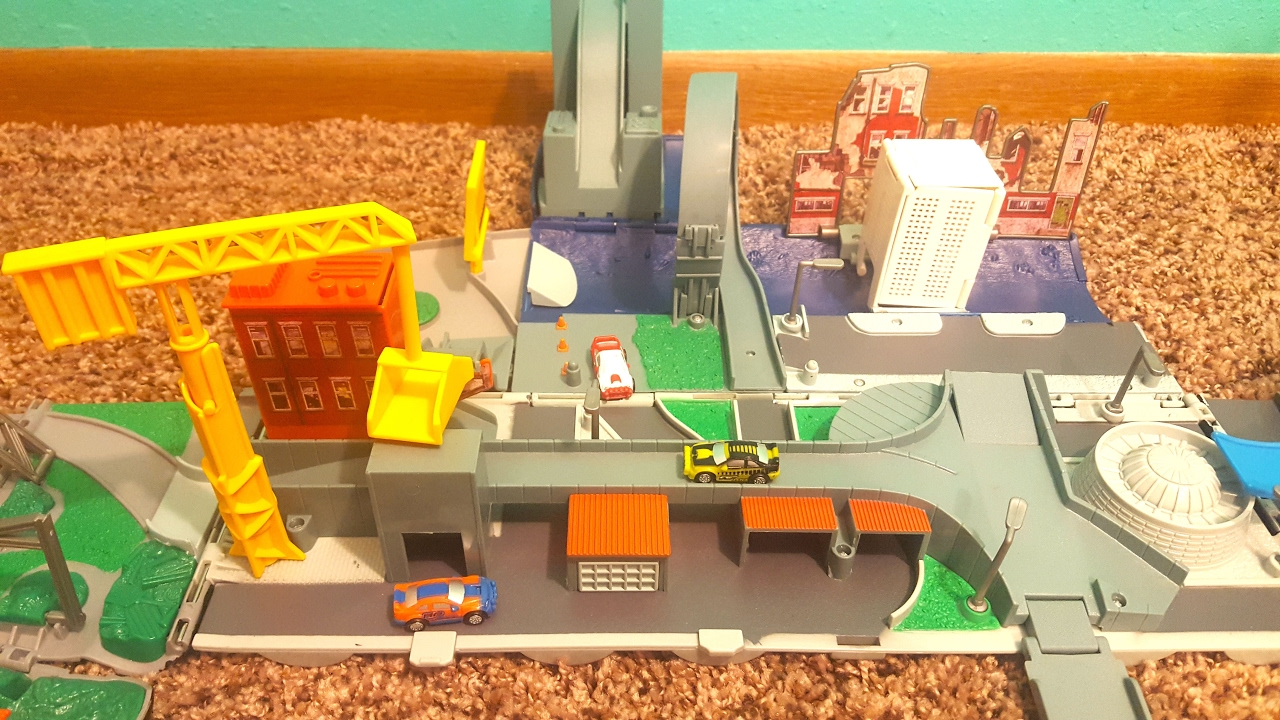 Micro Machines Super Stunt City Unfolding Semi Truck ...