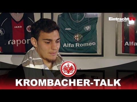 Am Krombacher-Kicker mit…Kaan Ayhan