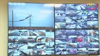 Уличные видеокамеры(Уже третий год город живёт под присмотром объективов. Больше сотни видеокамер круглосуточно в ОНЛАЙНе..., 2016-02-16T15:14:23.000Z)