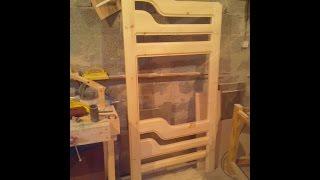 видео Детская двухъярусная кровать из массива (52 фото): деревянная двухъярусная модель из дерева сосны для детей
