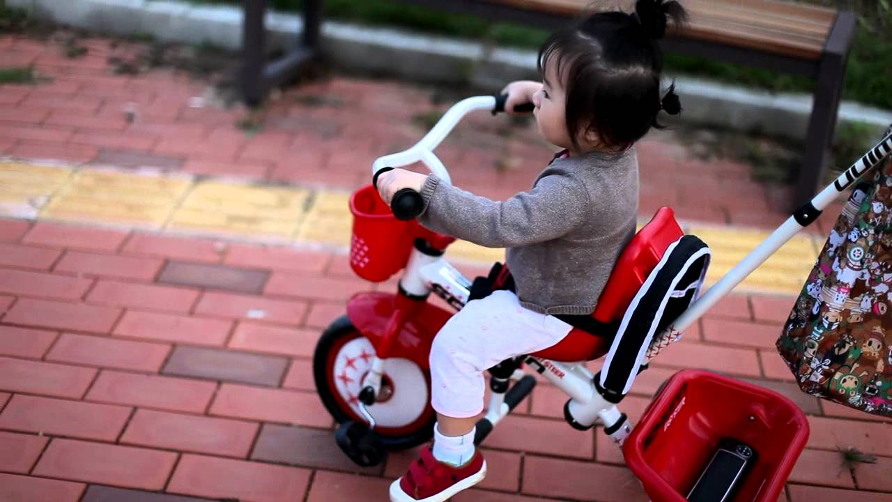 아기 자전거 Schwinn Easy Steer Trike Classic Youtube