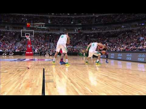 Derrick Rose Unleashes A Crossover and Finished The Sweet Layup!