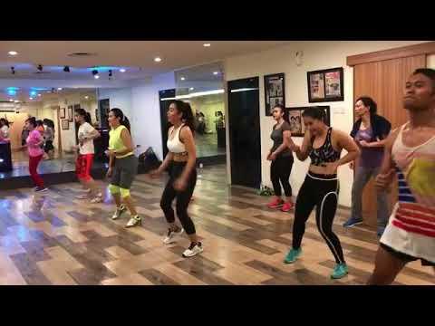 Selfi Nafilah Heboh Goyang Lagu Bailando