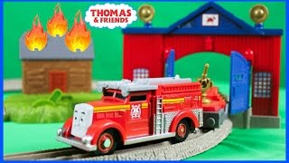 thomas and friends trackmaster flynn s rescue set accidents will happen kids playing toy trains