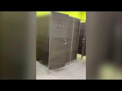 В женском туалете ТЦ «Мармелад» в Волгограде обнаружили извращенца с камерой