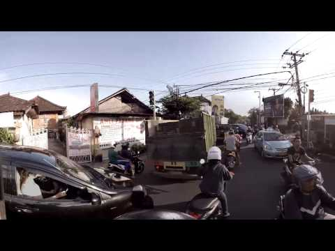 360-video:-traffic-in-denpasar,-bali,-indonesia