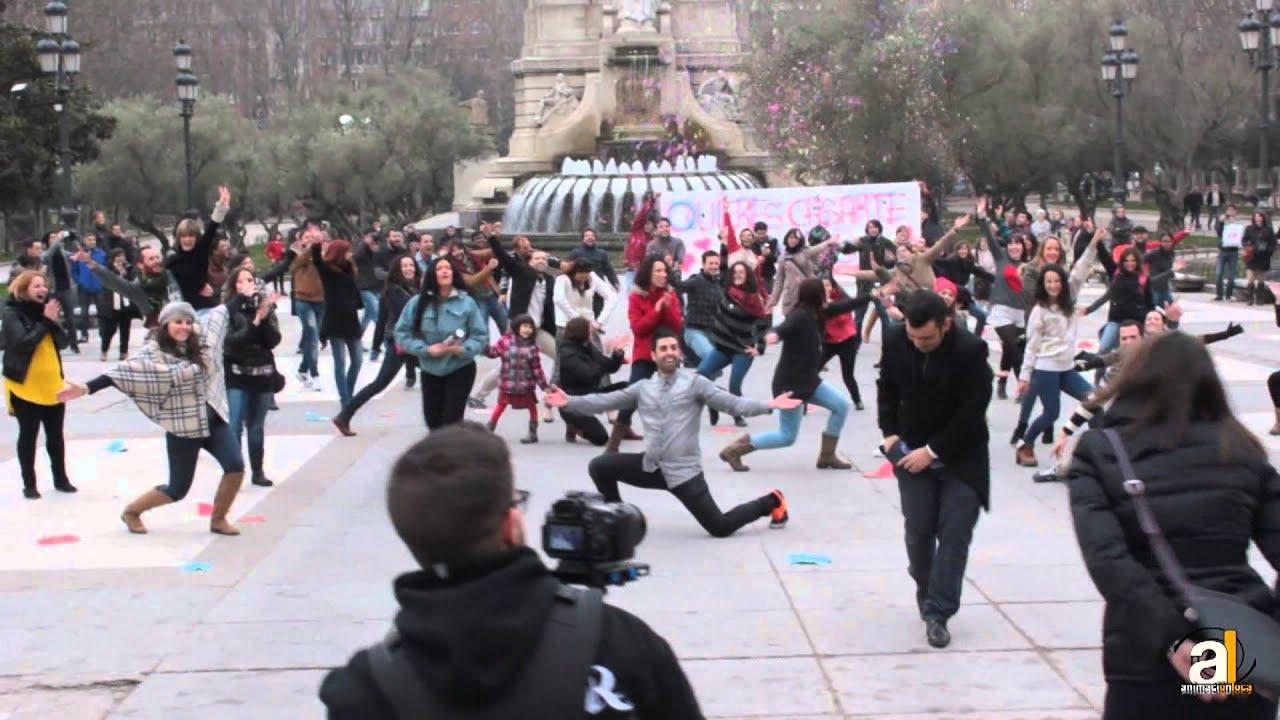 El mejor y mas espectacular flashmob de pedida de mano en for Casarse en madrid