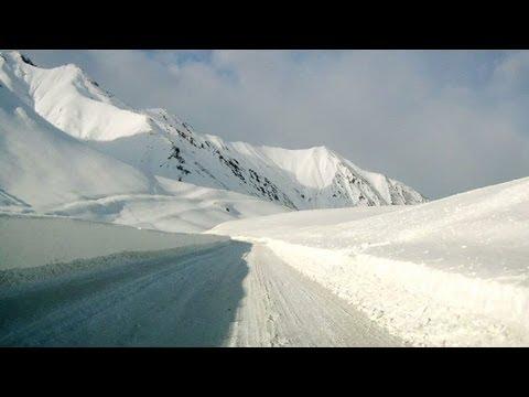 Крестовый перевал  в Грузии зимой (Georgia - Cross Pass In Winter)