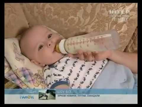 У ребенка болит живот новорожденный