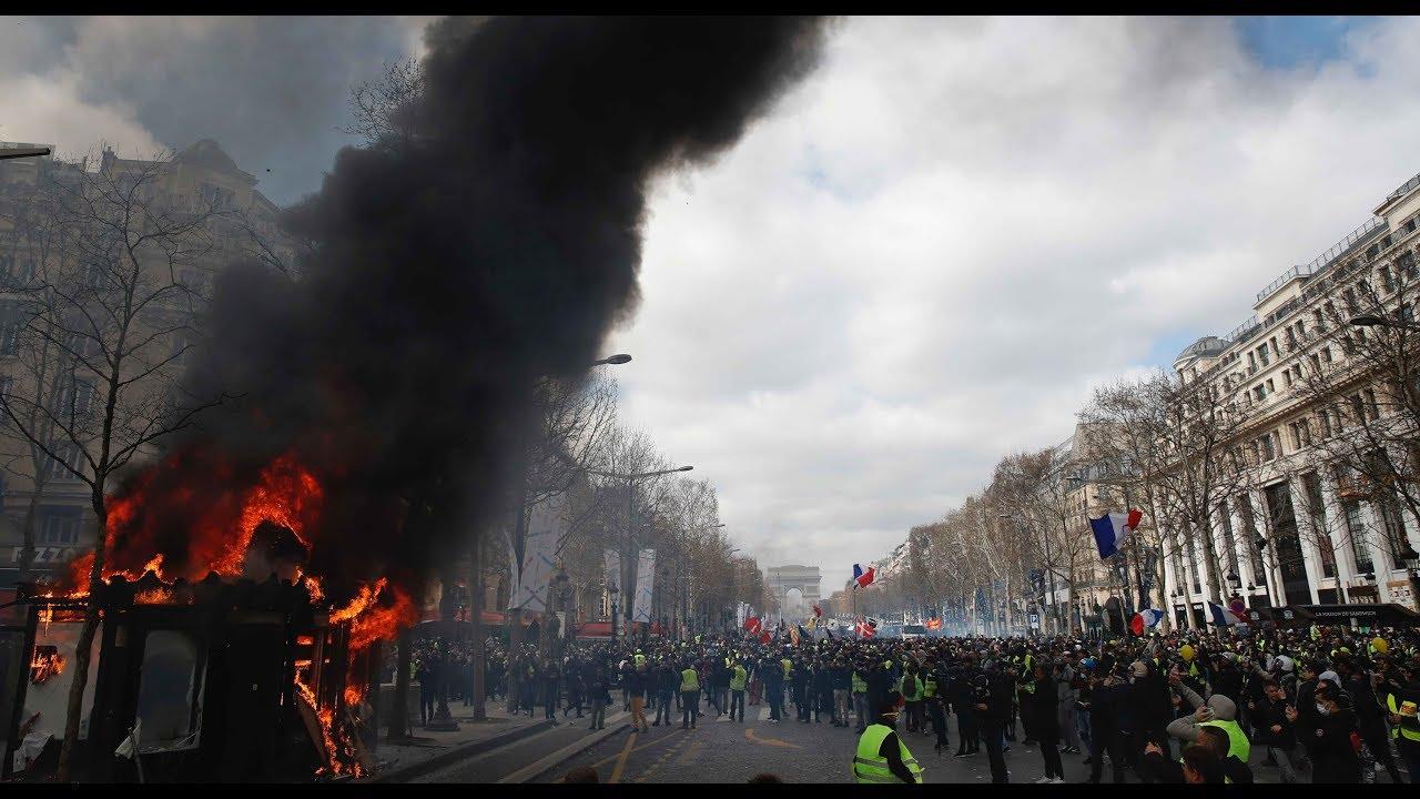 Wieder brutale Gewalt bei Gelbwesten-Protesten in Paris
