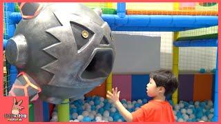 타요 키즈 카페 어린이 놀이 ♡ 꼬마버스 타요 미끄럼틀 공놀이 그림놀이 Tayo kids playground toys автобус тайо | 말이야와아이들 MariAndKids
