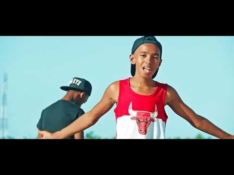 YON DI SMEEF X YG FABRICE TSY HIALA Officiel video clip gasy 2019Fevrier      YouTube