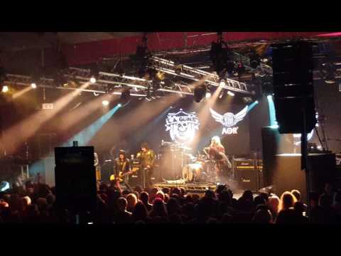 LA Guns (Featuring Phil Lewis and Tracii...