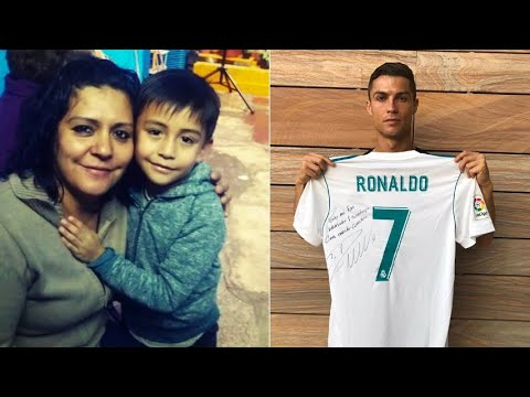 Cristiano Ronaldo maglia numero 7 per il piccolo Santiago morto in Messico  YouTube