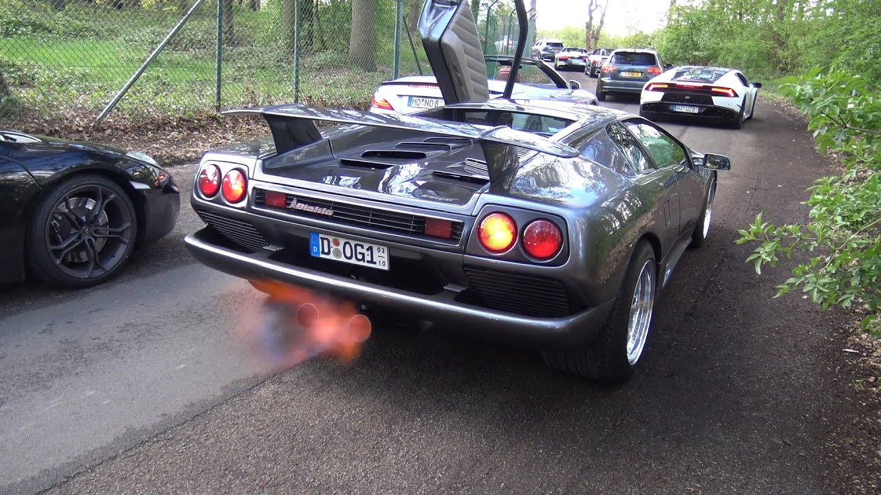 This Lamborghini Diablo Popping Flames From Exhaust Youtube