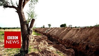 University digs trench to stop Boko Haram   BBC News