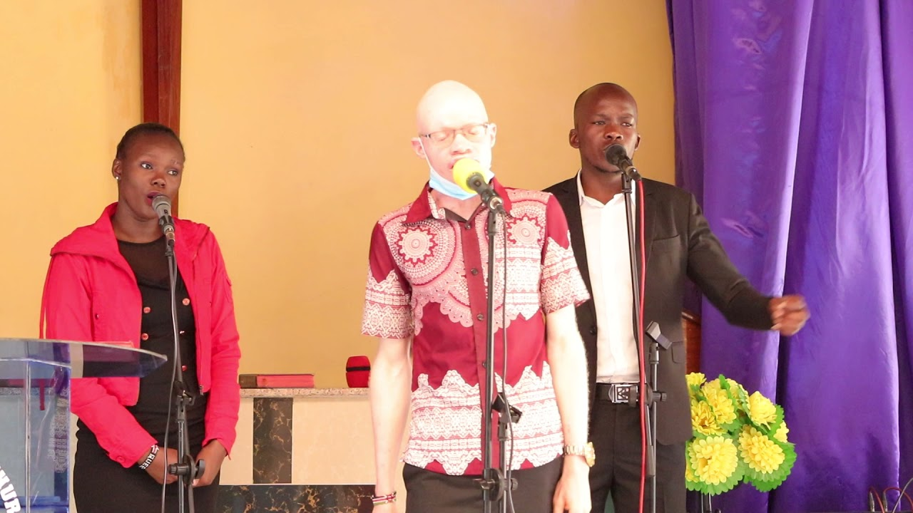 Download KUNA NGUVU YA AJABU II WORSHIP MEDLEY