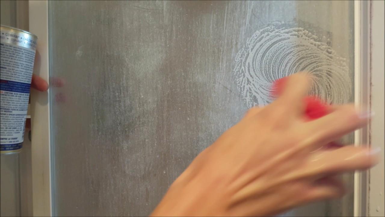 Bar Keepers Friend làm sạch vách tắm kính - Hướng dẫn dễ dàng để loại bỏ cặn xà phòng từ vòi hoa sen