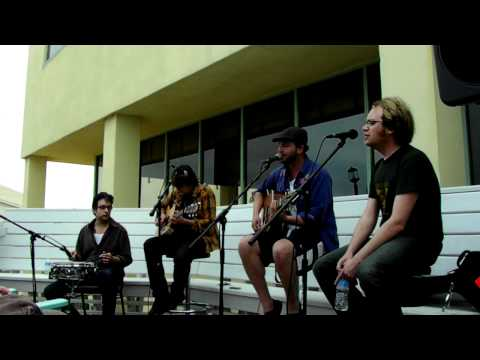Time is a Runaway accoustic by the Alternate Routes at Down the Hatch, 2011, Day 3 mp3
