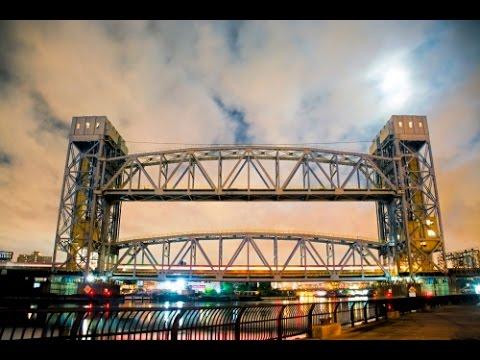Lifting and Lowering the Metro North Harlem River Lift Bridge