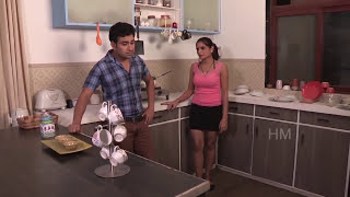 vuclip Shruti Bhabhi seduced in front of her Husband - cheating with his friend romancing bold scene
