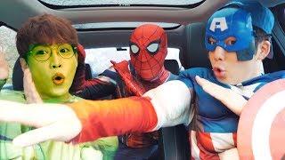 수퍼히어로 자동차 타고 친구 도와줘요 모음 Superheroes Surprise Rescue Mission With Dancing Car Ride