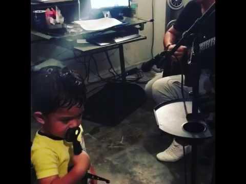 Despacito cantando con mi hijo