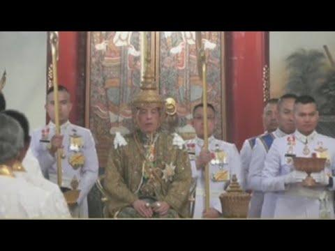 A coroación do rei de Tailandia: tres días e 31 millóns de dólares