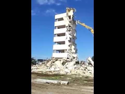Colasanto Demolizioni - Demolizione Palazzina zona industriale di Modugno (ex Ilca)