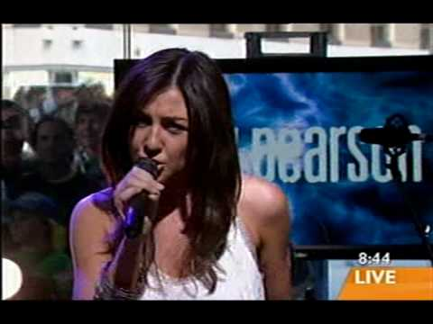 Amy Pearson - Ready to fly on Sunrise