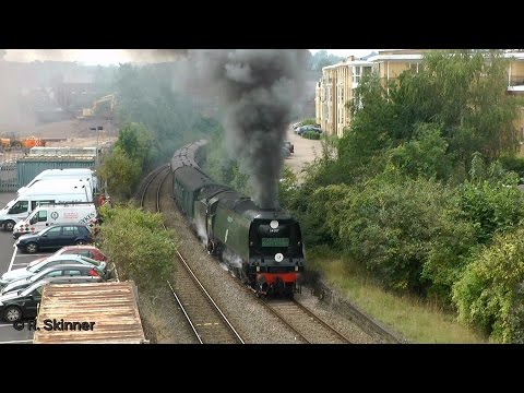 34067 Tangmere slogs up Exeter Bank with 34046 Braunton banking