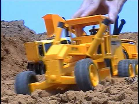 Mini Tractor plastic Travel Video